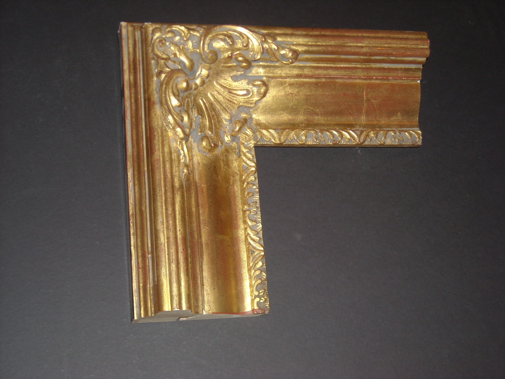 RP13    (5 1/4inch)     22K water laid gold embellished frame