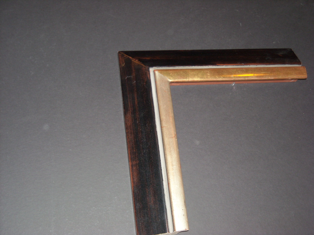 RP148   (2 3/4inch)   raised bevel two-toned trimmed frame