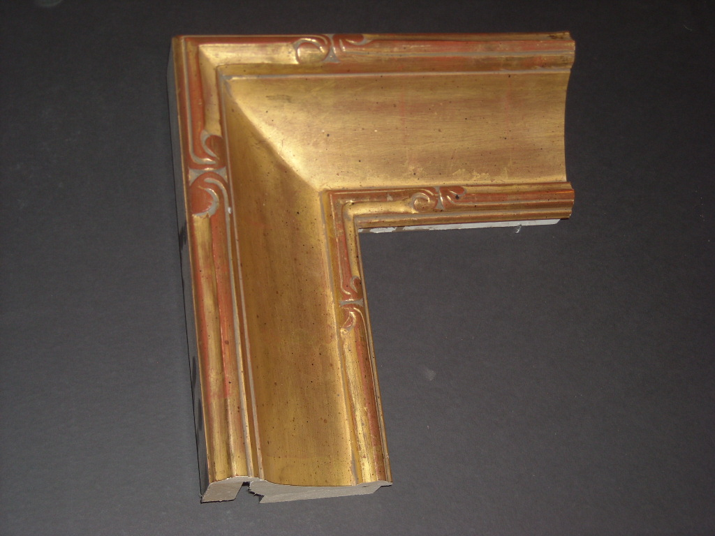RP171    (4 5/8inch) carved trim solid corner