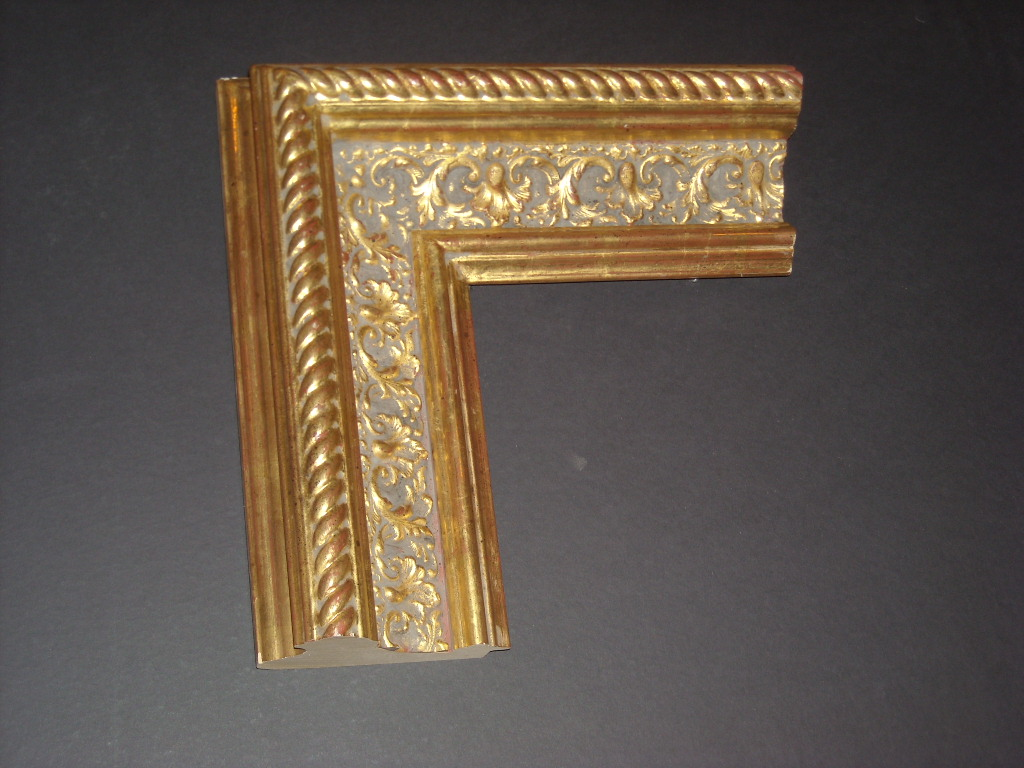 RP24    (4 3/4inch)  antique gold rope trim embellished frame